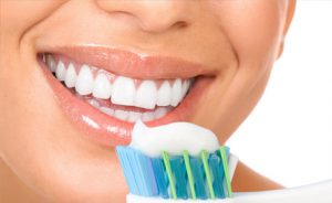 como cepillarse bien los dientes